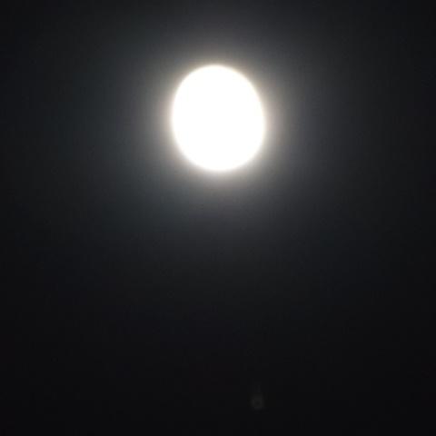 上に月、下に土星