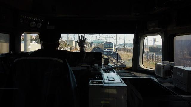 松尾駅で普通と交換