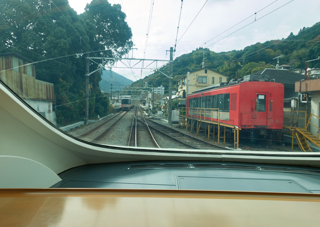 入生田駅通過後